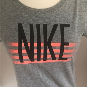 Nike gray short sleeve tee. Size M. Slim fit